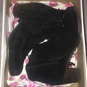 Shoes - Ankle High Boots